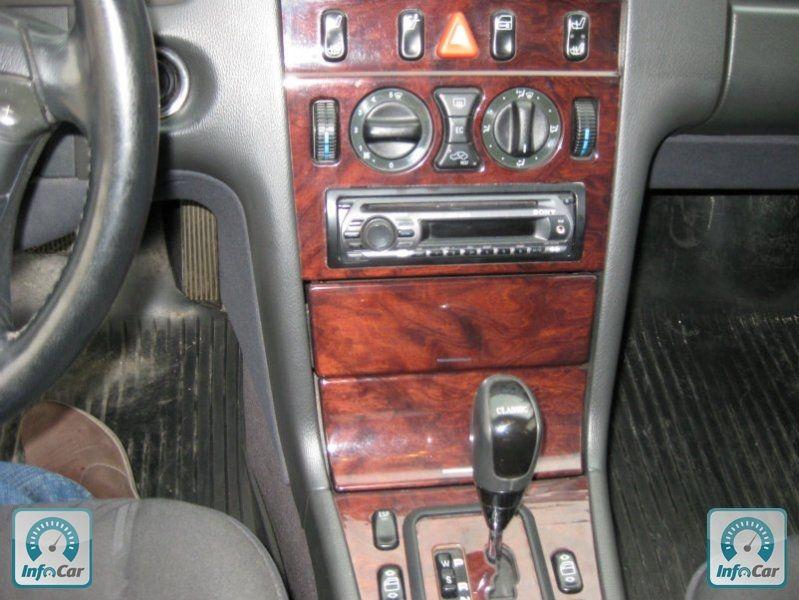 10 Фото Mercedes W210, 2001. 240 тыс.км. Центральный замок